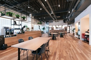 20180515 wework queens plaza   front desk 5