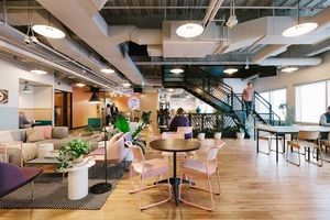 20171215 wework capella tower   common areas   wide 1